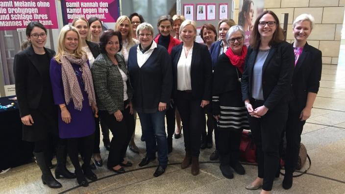 """Arbeitskreis für Gleichstellung und Frauen macht sich """"Stark für Frauen""""."""