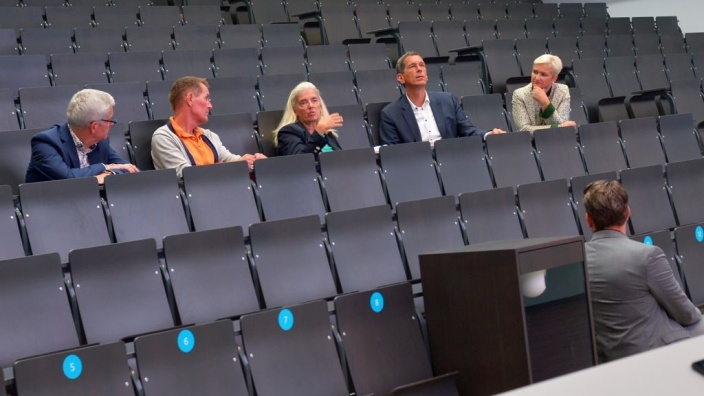 Ministerin Pfeiffer-Poensgen an der Uni Siegen